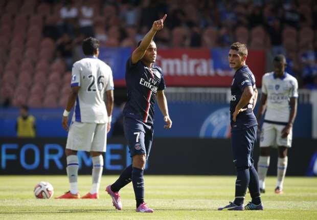 Lucas ouvre le score pour le PSG