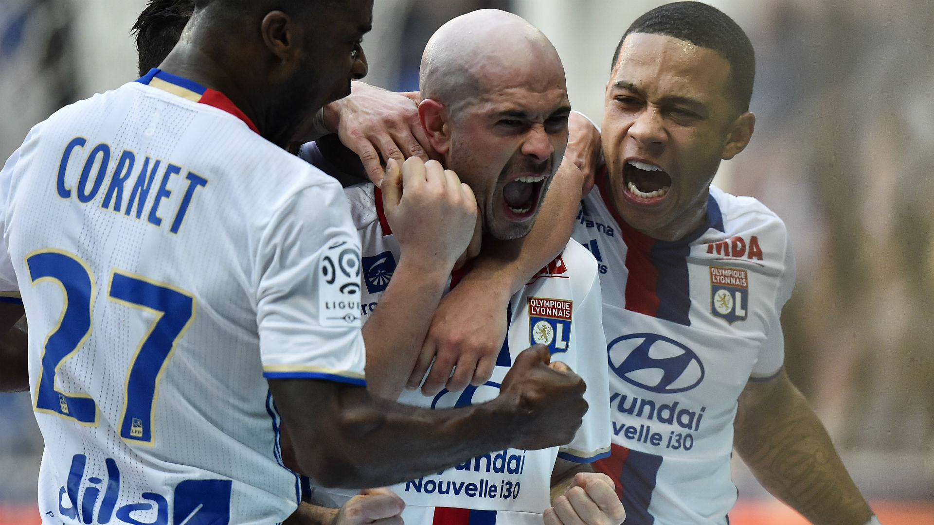 Christophe Jallet Memphis Depay Lyon Toulouse Ligue 1 12032017
