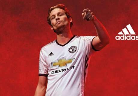 Manchester United Rilis Jersey Ketiga