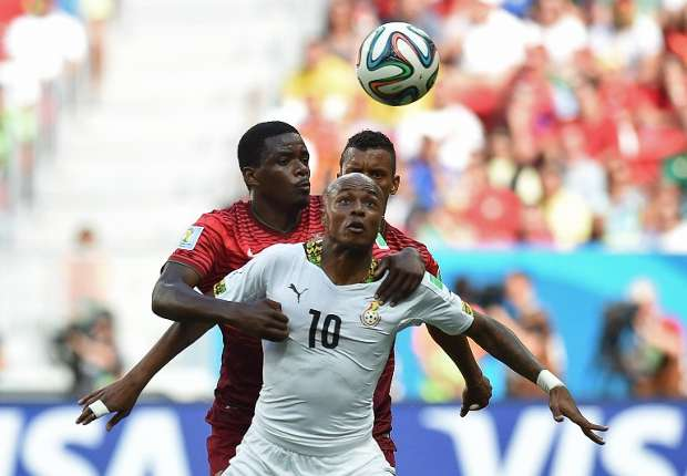 Manchester United, Liverpool in fierce race for Ayew