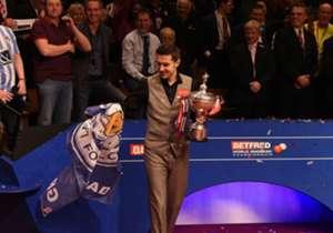 對於桌球手沙比來說,可雙喜臨門,除了愛隊李斯特城奪得英超冠軍外,同日這位來自萊斯特的球手亦擊敗丁俊暉,贏得今屆世界桌球錦標賽。
