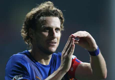 Forlan responds to Molina's jibe