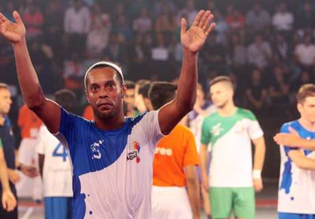 Ronaldinho decide sobre Australia