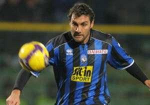 Vieri sempat jadi pemain dengan gaji terendah di Serie A.