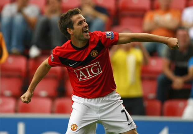 [Image: michael-owen-manchester-united-vs-wigan-...=620&h=430]