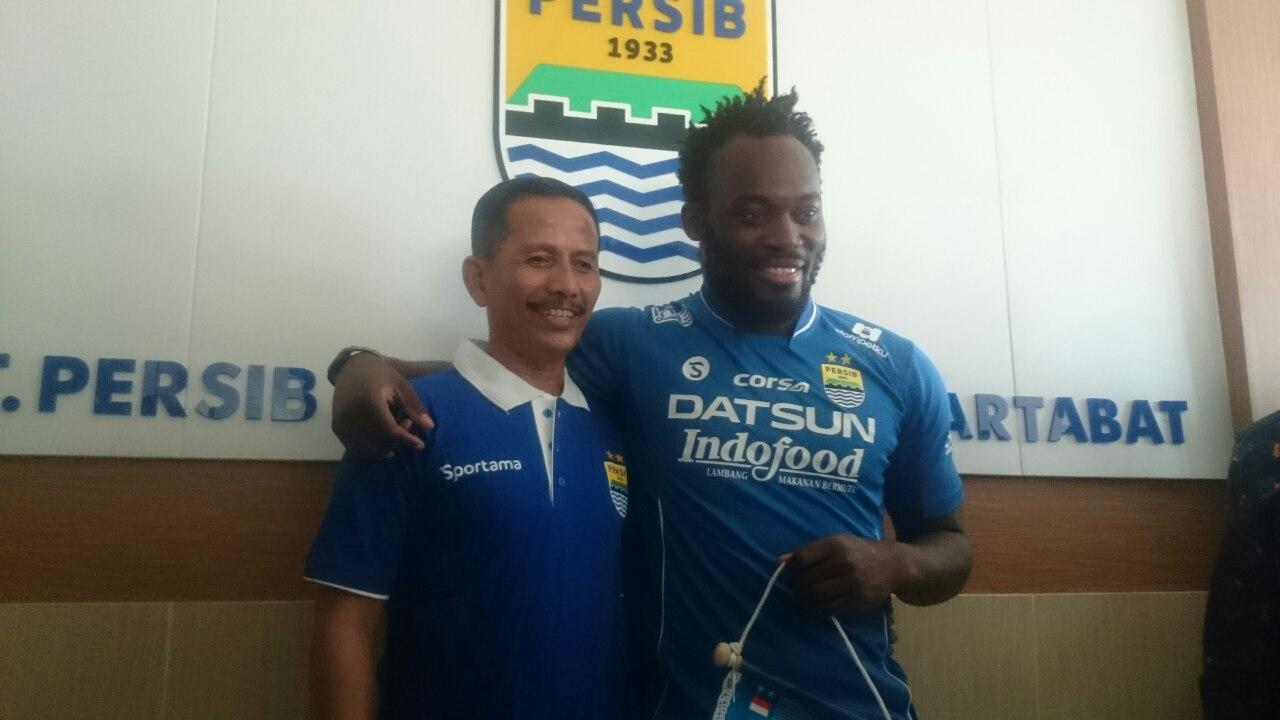 Djajang Nurjaman & Michael Essien - Persib Bandung