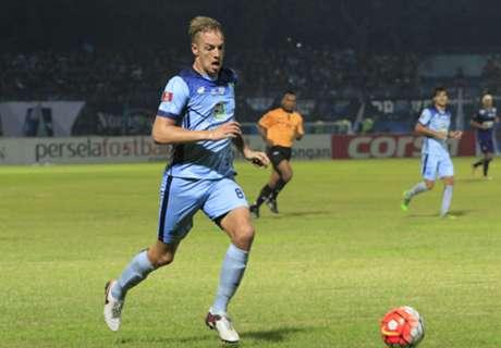 Adelmund Dedikasikan Gol Untuk Ayah
