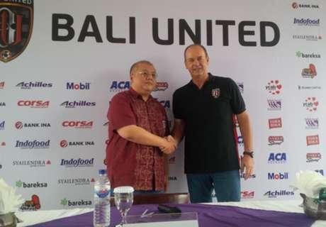Bali United Resmi Pecat Peter Schaller