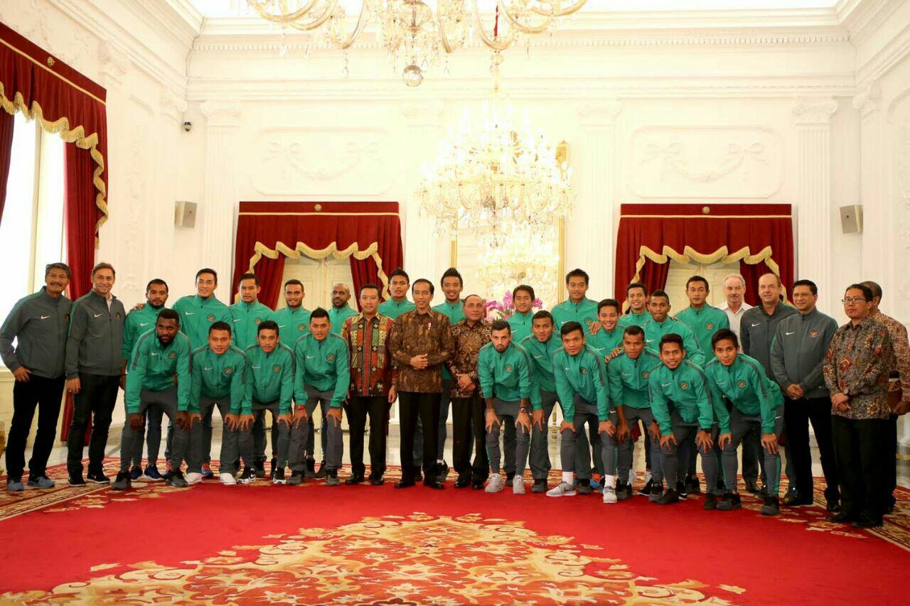 [Image: timnas-indonesia-dan-presiden-jokowi_1oa...=371818713]