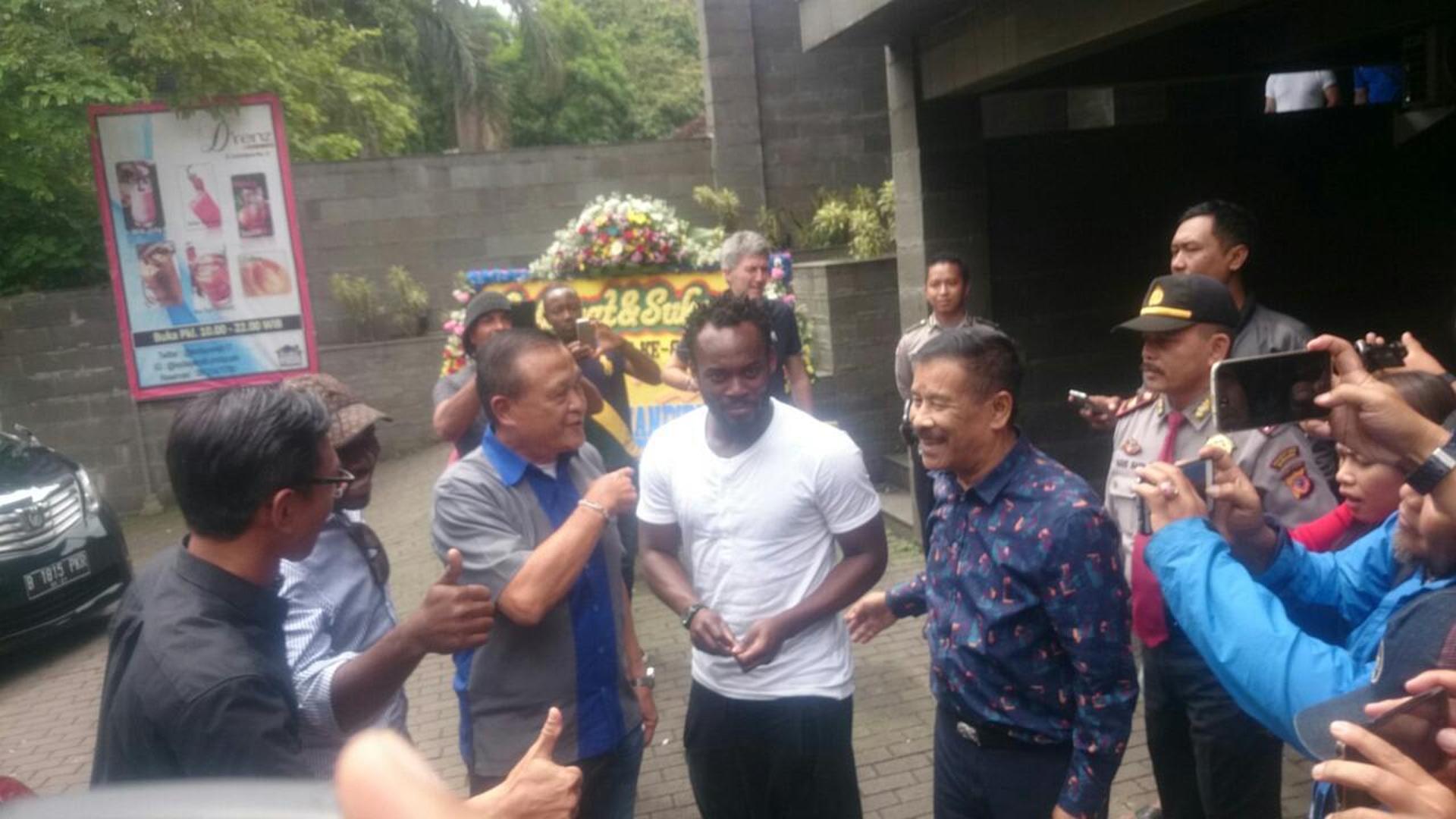 Michael Essien & Umuh Muchtar - Persib Bandung