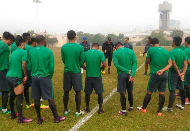 (PIC:Gelar Latihan Perdana Di Vietnam, Timnas Indonesia Hanya Berlatih Ringan)