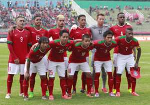 Di antara sejumlah pemain yang hilir mudik dipanggil timnas, muncul nama Ahmad Alfarisi (3) sebagai salah satu muka baru yang dipercaya pelatih sementara Benny Dolo.
