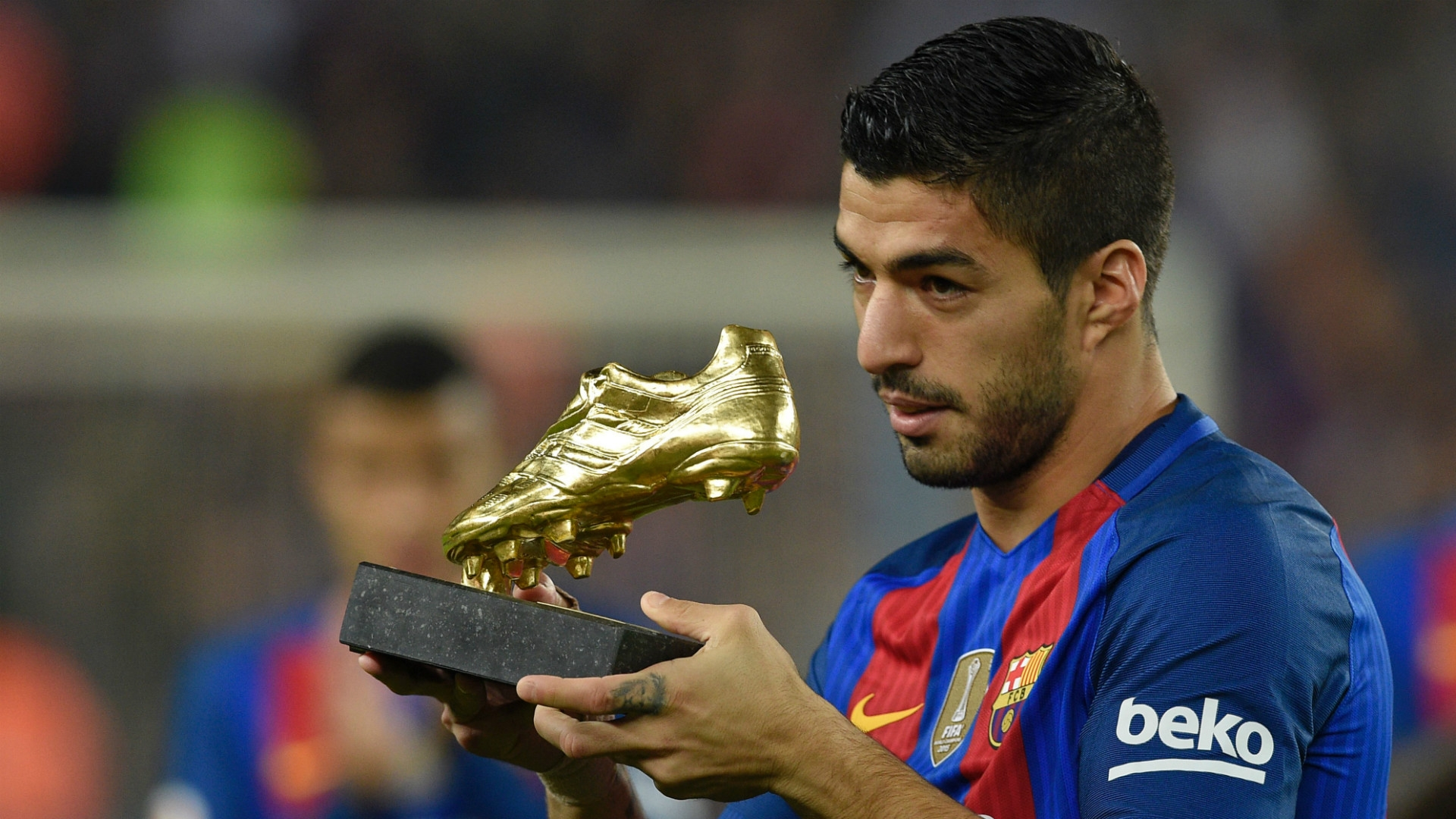 Suarez, Messi, Ronaldo & Persaingan Sepatu Emas 2017 ...