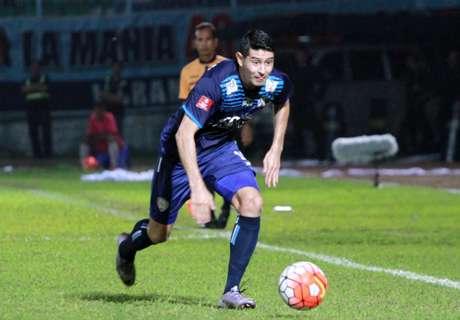 Arema FC Permalukan Barito Putera