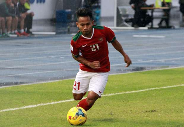 [Image: andik-vermansyah-indonesia-thailand-aff-...=620&h=430]