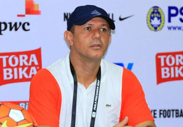 Gomes de Olivera mulai mengasah taktik dan membentuk karakter permainan Madura United FC