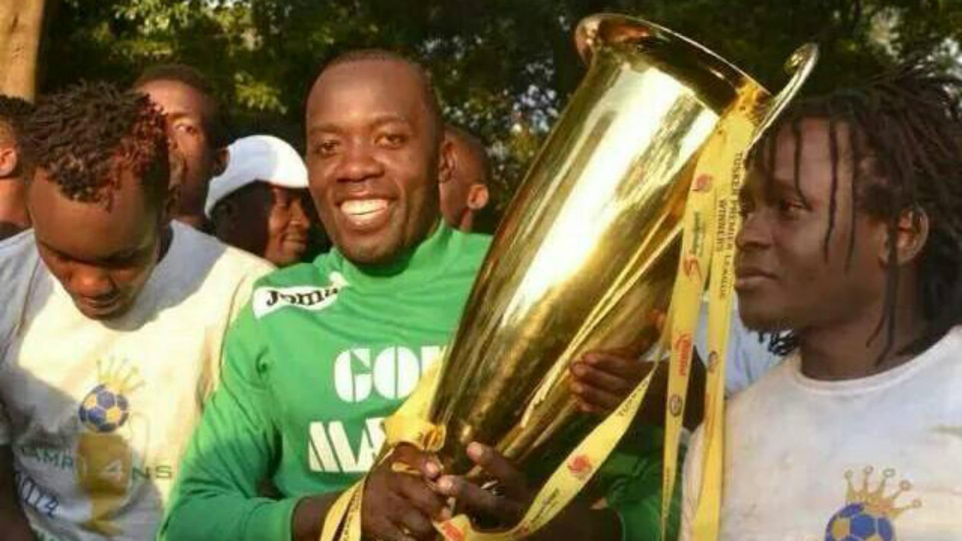 Gor Mahia goalkeeper Jerim Onyango with KPL trophy.