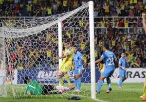 Pahang and Selangor register victories while Kedah-PKNS and Felda-JDT end in 1-1 draws.