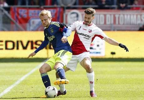 El Utrecht jugó con 12 jugadores ante el Ajax