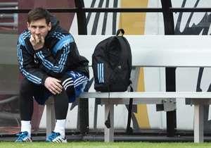 Leo Messi | Argentina - Barcelona | No jugó en las dos victorias de su Selección ante El Salvador y Ecuador por un golpe en el pie.
