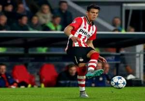 <strong>Héctor Moreno (PSV) | NOTA 7.5 </strong> El defensa mexicano fue titular aunque no tuvo mucho trabajo en la victoria ante el Utrecht (2-0). El PSV Eindhoven, con 53 puntos, mantiene uno de ventaja respecto al Ajax, segundo. El tercero, el Herac...
