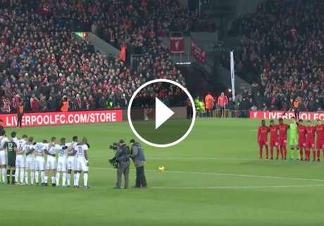 ► El minuto de silencio en Anfield