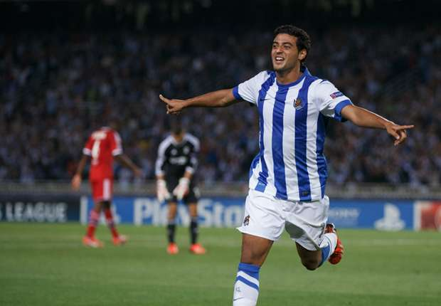 Chicharito has company: Vela finding form in Spain