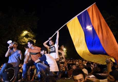 REVIEW: Comeback Dramatis Bawa Armenia Raih Kemenangan Pertama