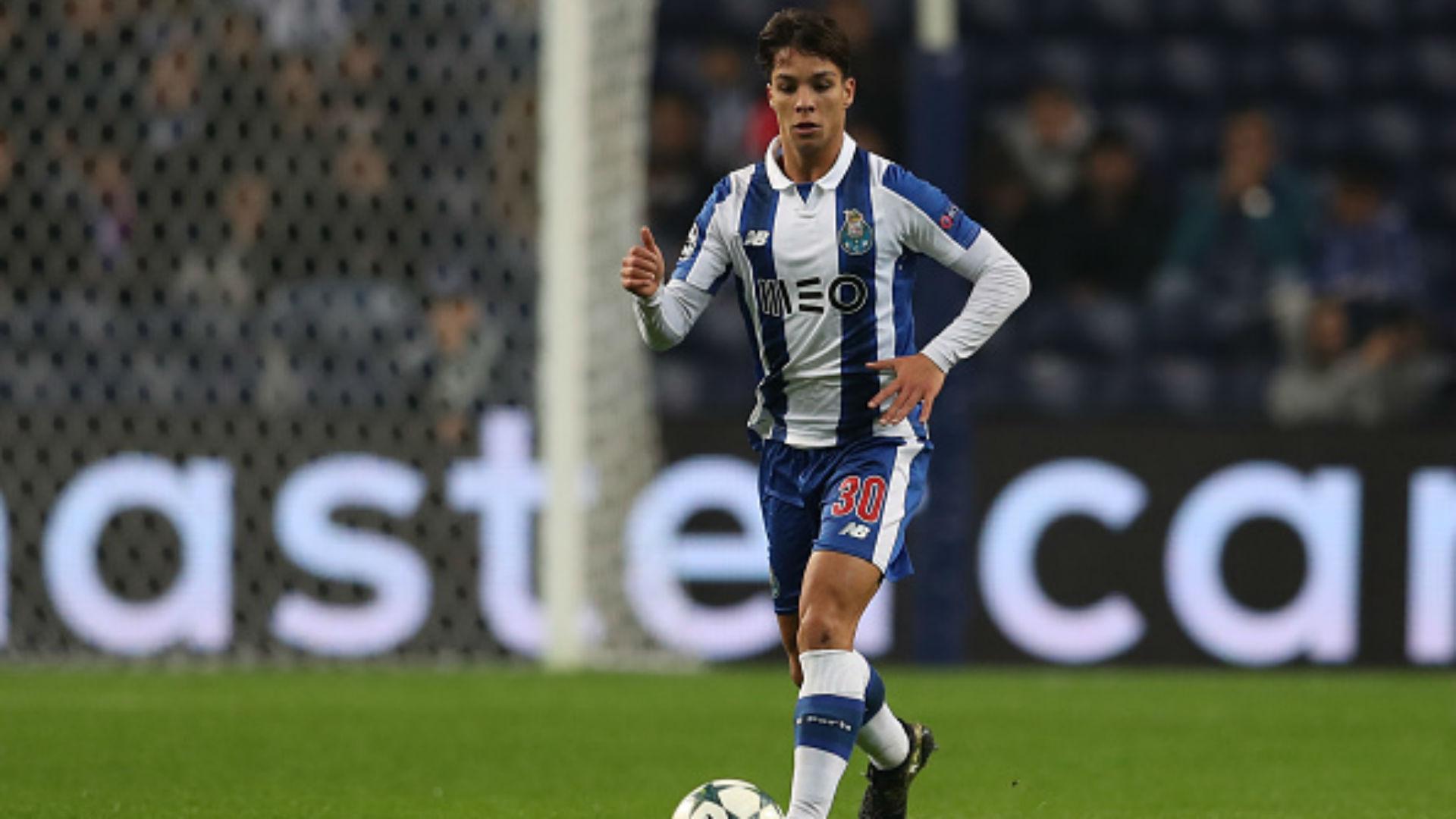 OFICIAL: El Oporto ejecuta la opción de compra por Óliver Torres