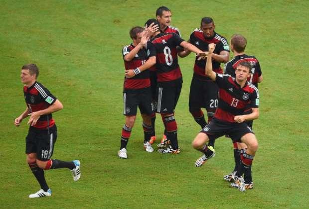 Muller bawa Jerman juara Grup G Piala Dunia 2014.