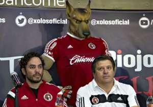 Xolos presentó a Miguel Herrera com técnico para el Clausura 2016.