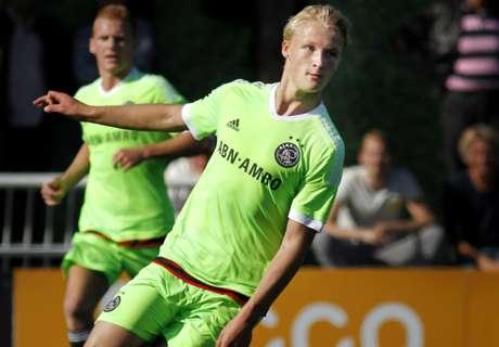 Ajax & PSV Beri Tekanan Pada Feyenoord