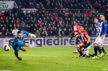 Mexico defender Hector Moreno scores winning goal for PSV