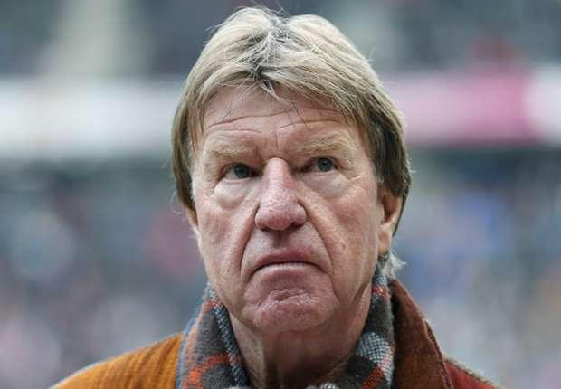 """De Mos haalt uit: """"Ajax is matig"""""""
