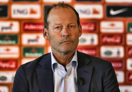 Blind sacked as Netherlands coach