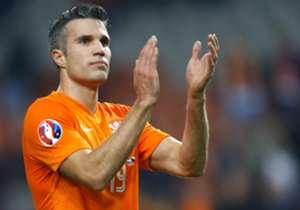 """L'attaccante olandese Robin Van Persie ha scelto la sua top 11 degli Europei nell'ambito di un sondaggio UEFA per i tifosi. Puoi partecipare anche tu <a href=""""http://alltime11.uefa.com/en"""" target=""""_blank"""">qui</a>"""