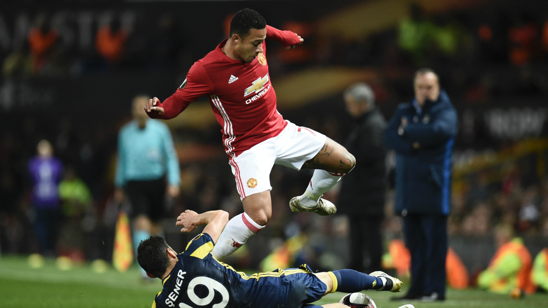 [Image: memphis-depay-manchester-united-10202016...=690703976]