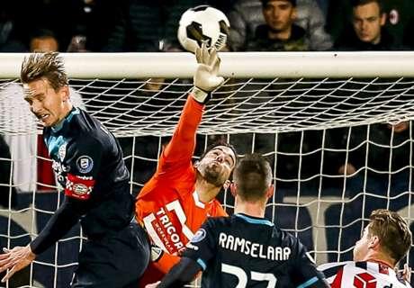 REVIEW: PSV Eindhoven Urung Geser Ajax