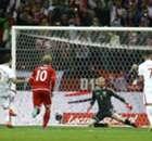 Lewandowski schiet Polen langs Denen