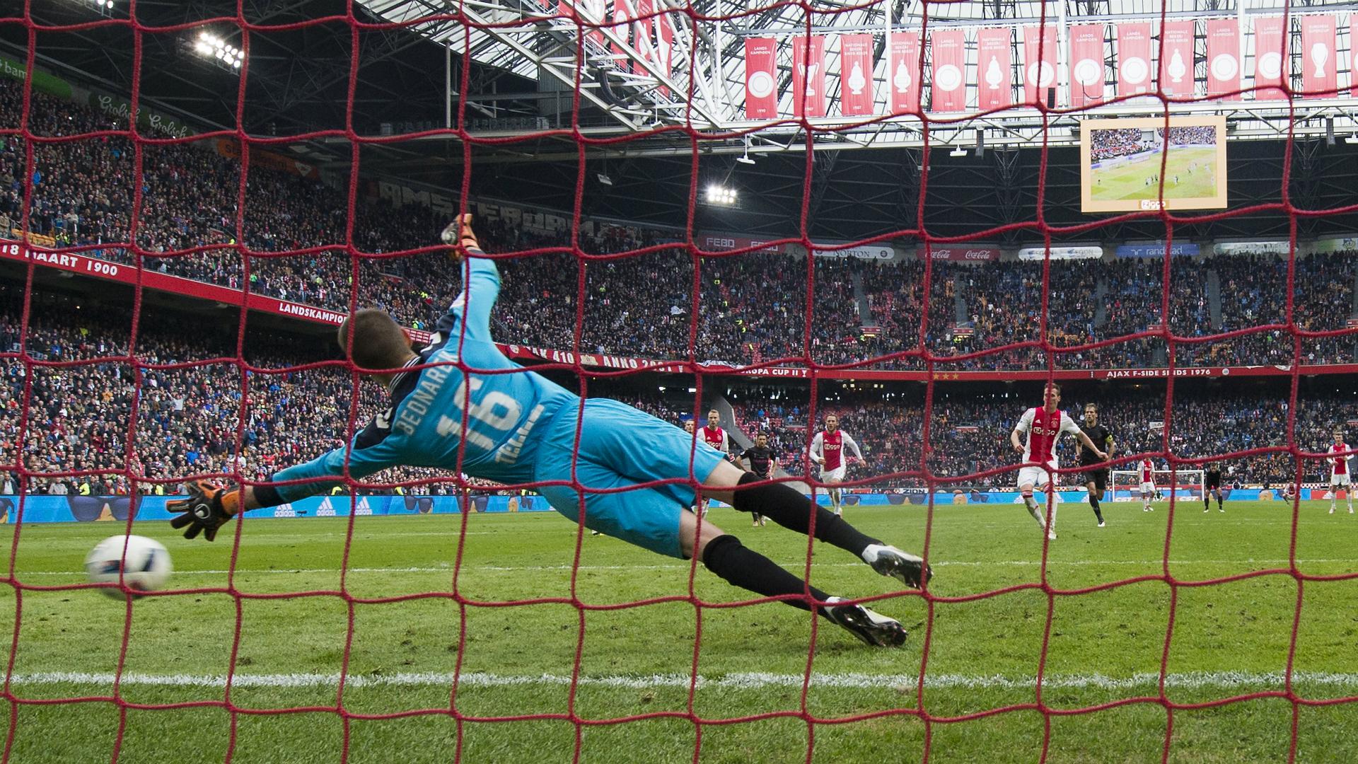Olanda: Ajax pareggia, PSV campione a sorpresa