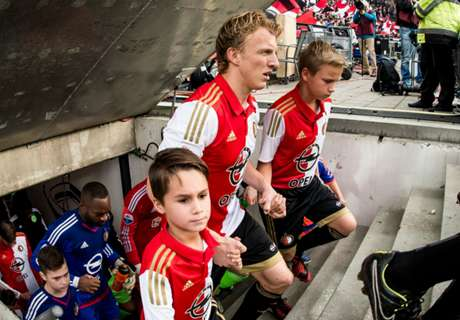 WATCH: Feyenoord stay top