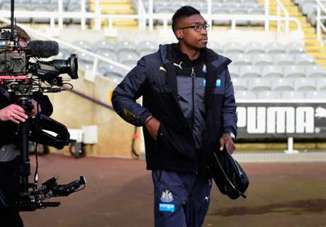Ameobi joins Bolton Wanderers on loan