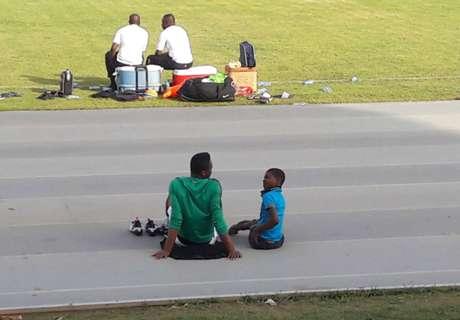 สานฝัน! ไนจีเรียให้เด็กพิการพบแข้งทีมชาติถึงสนามซ้อม (มีคลิป)