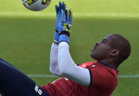 WATCH: Enyeama powers through training routine