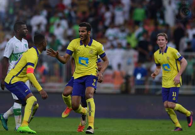 بعد رفض رئيس الاتحاد السعودي لكرة القدم، عادل عزت، التصريح لها