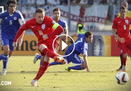 VIDEO: Rooney level's Charlton's record