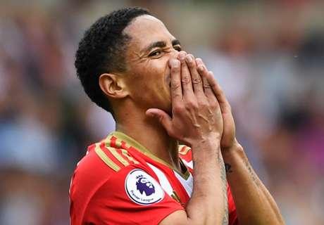 Pienaar makes Sunderland debut