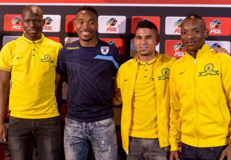 Twitter goes crazy as Vila signs for Downs