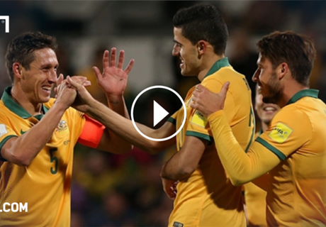 VIDEO: Socceroos on track for WC