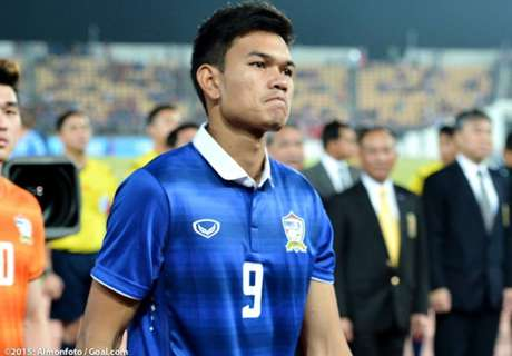 Datuk Vida eyes Muangthong United's Adisak Kraisorn